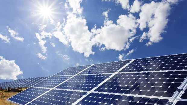 Temiz enerji artarken dev enerji şirketleri zorda