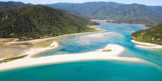 40 bin kişi internette birleşti, özel plajı satın alarak halka açtı